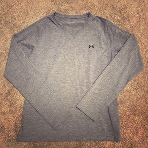 EUC gray long sleeved Under Armour shirt